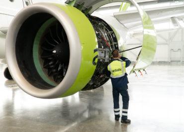 airBaltic ist die erste Fluggesellschaft mit Wartungsberechtigung und die zweite Instandhaltungsorganisation der Welt für den Flugzeugtyp Airbus A220-300