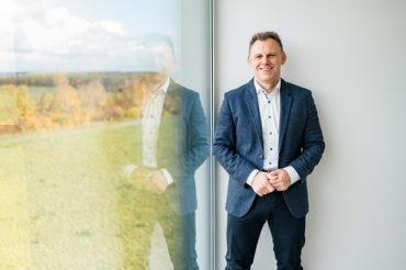 Gerold Wolfarth, Gründer und CEO der bk Group bietet Start-Ups auf SalsUp ein attraktives Mentoring-Programm. (Quelle: Spiegelhof Fotografie)