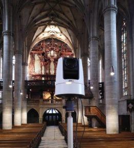Axis Communications ermöglicht Livestream aus der Kirche mit PTZ-Kamera