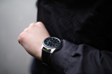 Die ecom Smart-Ex® Watch 01 ist die erste Smartwatch für den Ex-Bereich in Zone 2/22 und Div. 2. (CR: ecom)