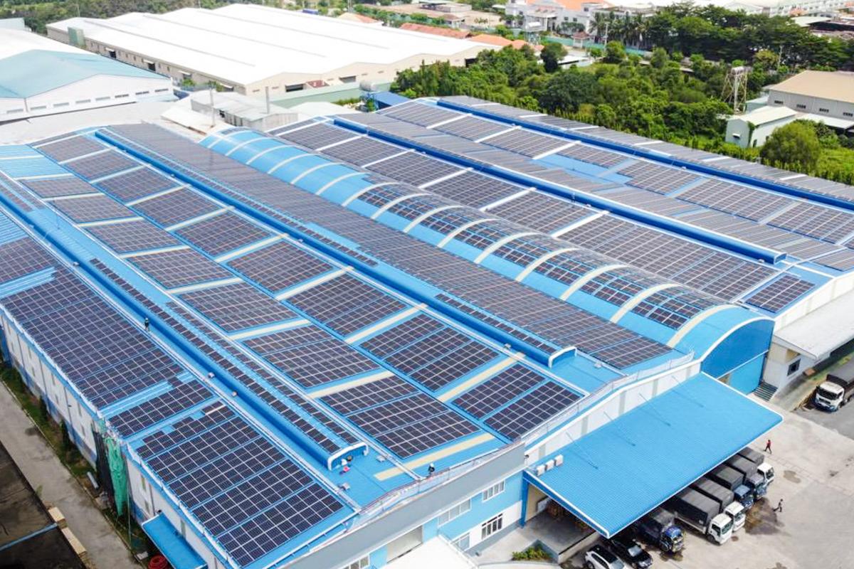 ecoligo 994 kWp Aufdach-Solaranlage in Vietnam